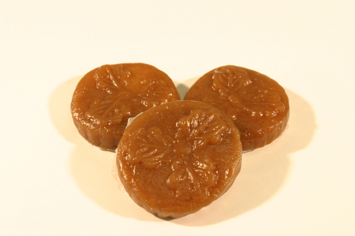 Bean jelly-filled bekomochi of Esashi Town