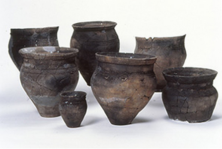 Okhotsk clay vessels