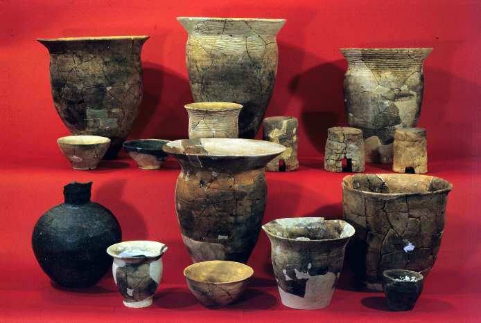 Satsumon clay vessels from Sapporo K-446 Remains