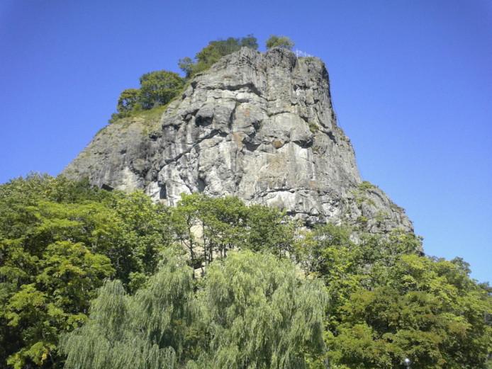 Gambo-iwa (rock)