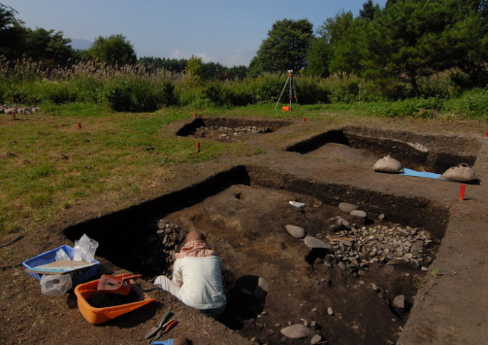 Kakinoshima Site: Flattened part of the earthwork mound