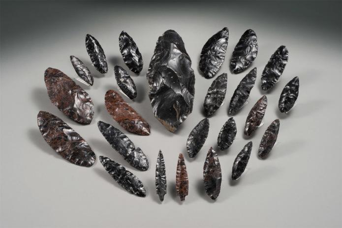 Narrow-blade stone tool excavated at Shirataki Sites