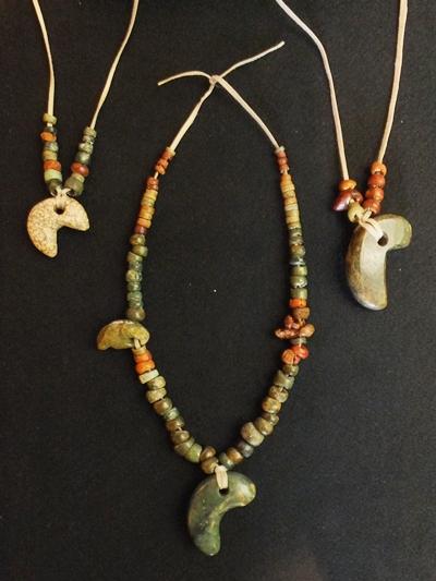 Karinba Site: Beads and comma-shaped beads