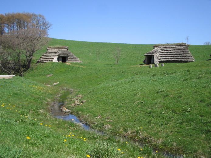 北黄金貝塚:竪穴建物と湧き水