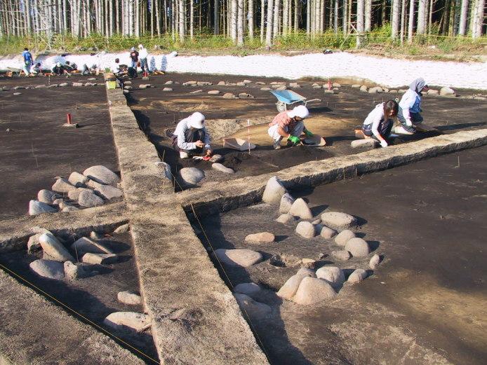 鷲ノ木遺跡:環状列石中心部(発掘調査時)
