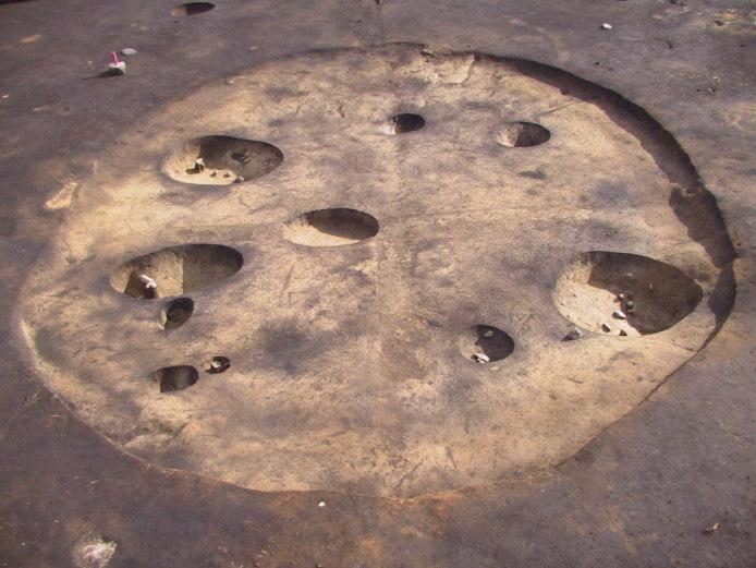 鷲ノ木遺跡:竪穴墓域(発掘調査時)