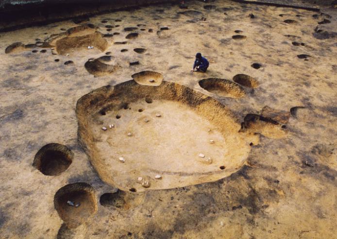 垣ノ島遺跡:早期後半の大型墓