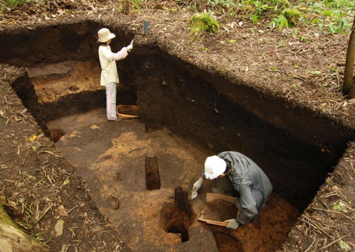 垣ノ島遺跡:中期前半の竪穴建物跡