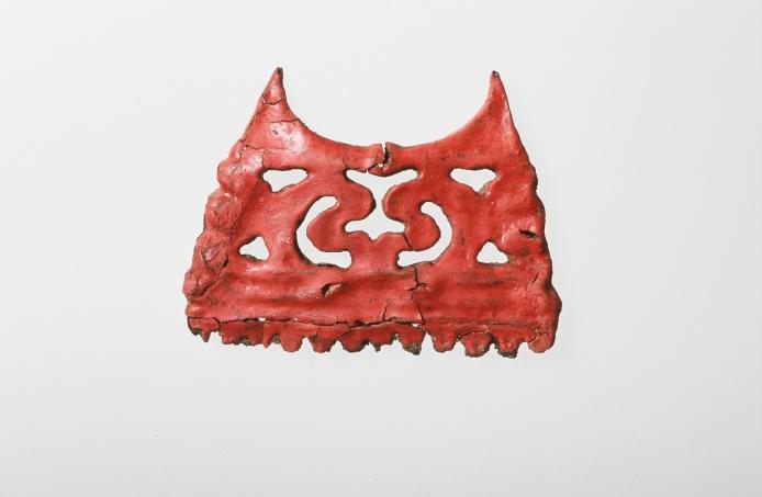 カリンバ遺跡:漆塗りの櫛