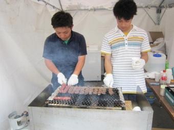 また、釧路の特産品が景品としてたくさん振る舞われる抽選もあり、イベントは大盛況でした。
