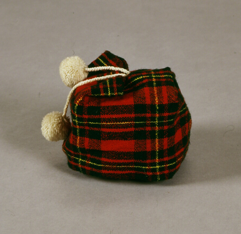 ホームスパンの子供用帽子