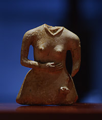 モヨロ貝塚出土 牙製女性像